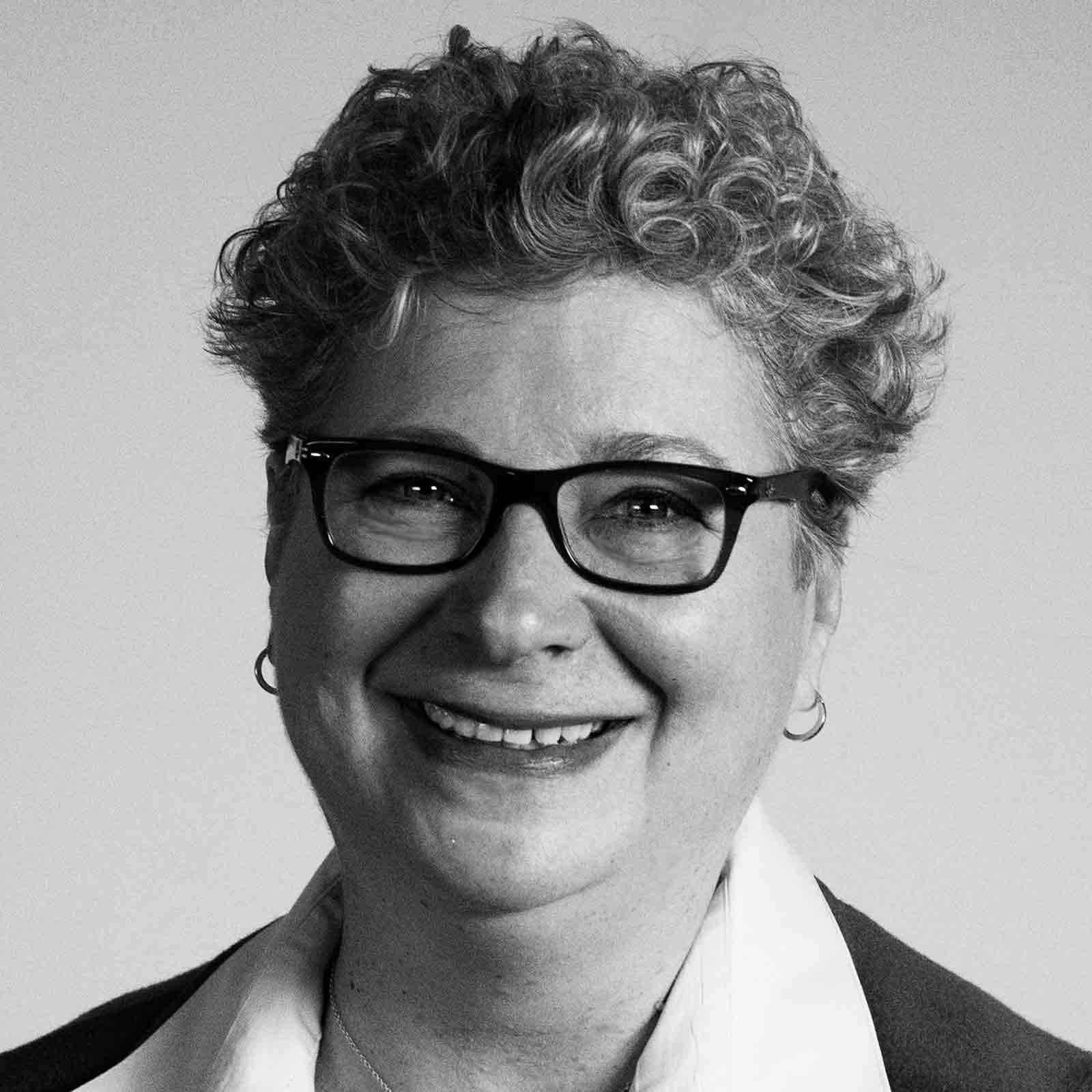 Lynn Dornblaser Headshot
