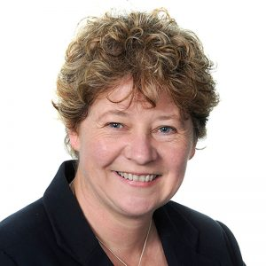 Kathy Groves Headshot